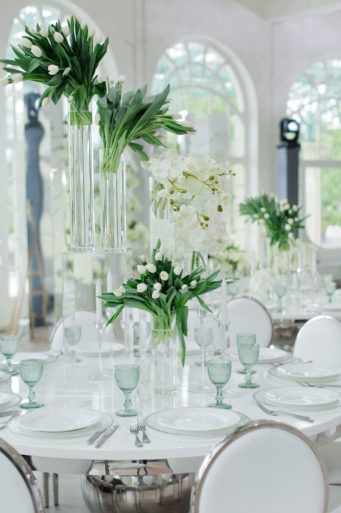Minimalist wedding in June by Maria German decor - 006