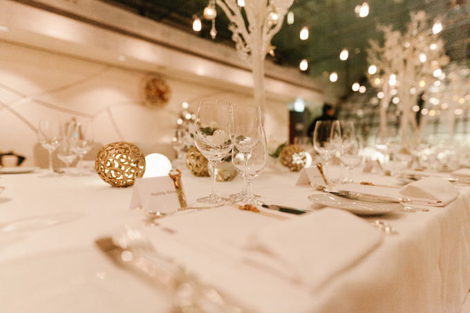 Winter wedding decoration by Peter Simon Photography - 002