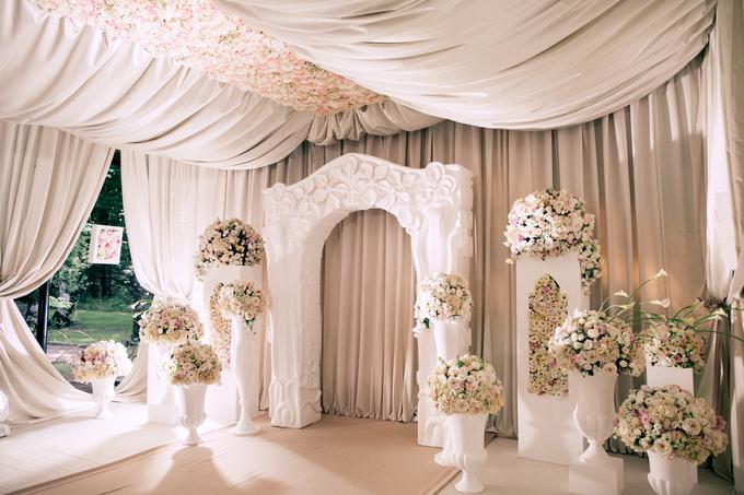 Neoclassic wedding by Wedding planner Oksana Bedrikova - 002