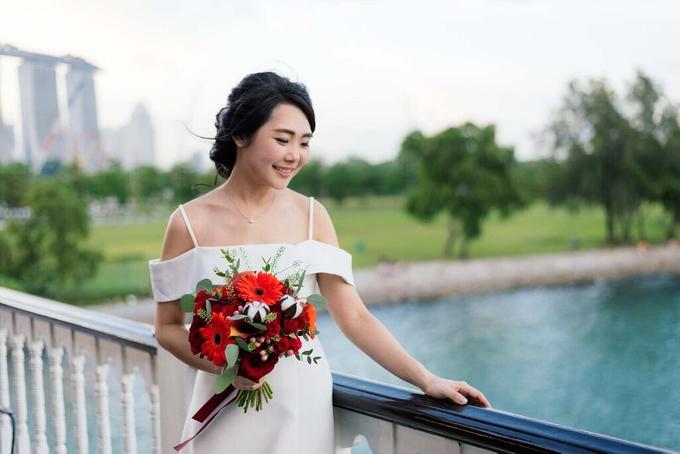 Boat Wedding Florals - Louis & Qiuwen by Liz Florals - 002