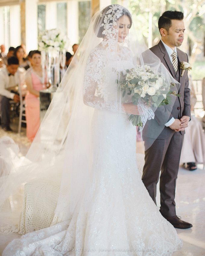 Bali Wedding : Acha & Andy Holy Matrimony by Elsie Chrysila Brides - 008