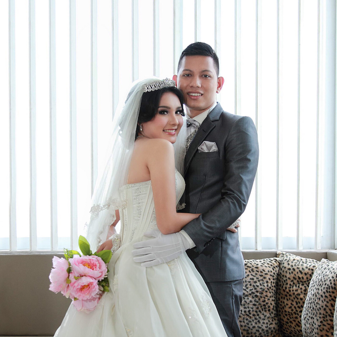 Prewedding indoor by Magdalena Young Bridal - 005