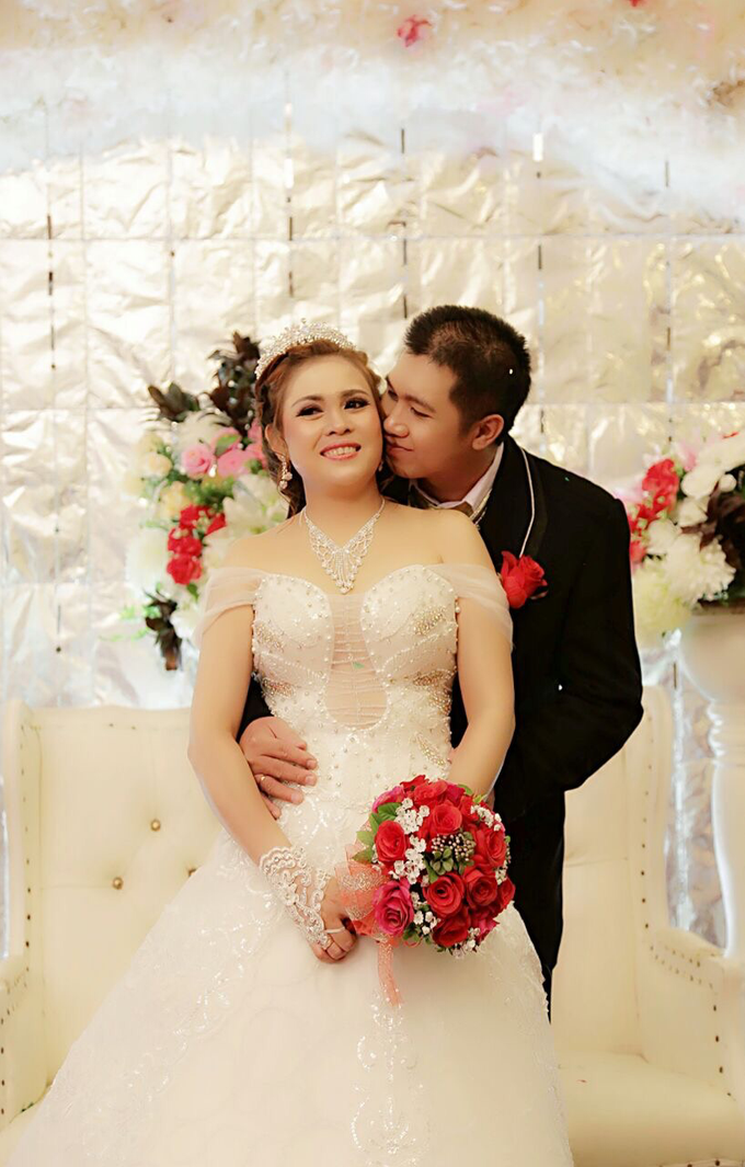 Untitled by okta gracia wedding consultant bridestory add to board untitled by okta gracia wedding consultant 004 junglespirit Image collections