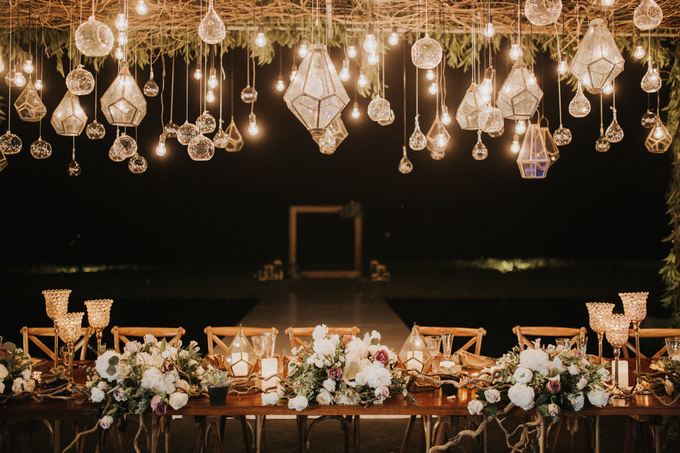 Hendri & Sella Wedding by It's True Wedding Planner and Decoration - 043