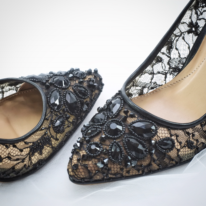 Embellishment on shoes, by CAVA PRIVÉ - 006