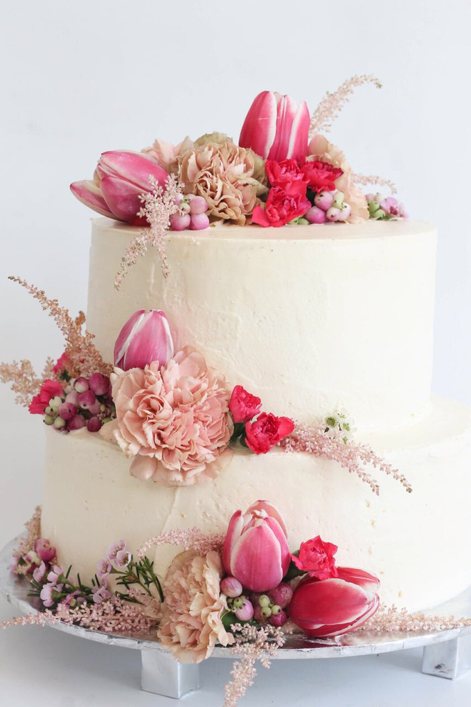 Flowers on Cake by Angie Fior - 004