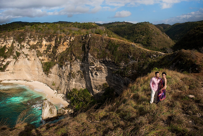 Nusa Penida Prewedding by Gusde Photography - 002