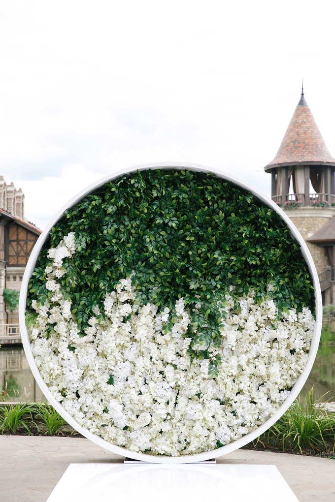 White and green wedding K&K by Maria German decor - 009