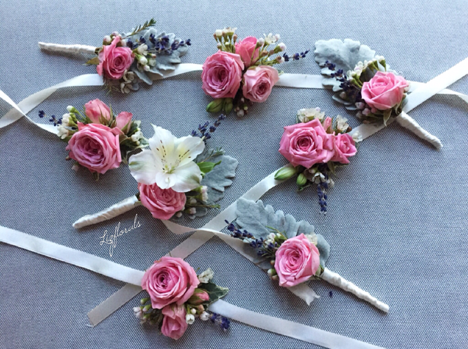 Corsages and boutonnieres by Liz Florals - 002