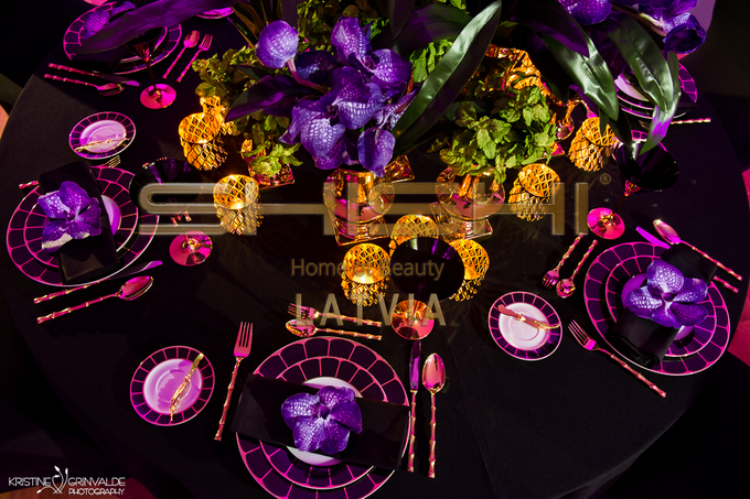 Table decorations by SHISHI Home of Beauty - 007