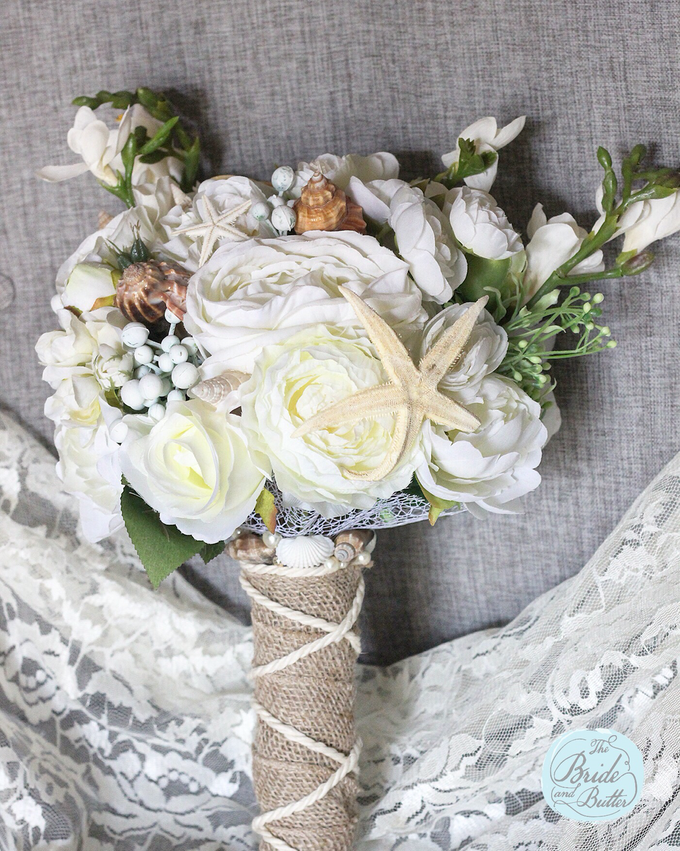 Custom Hand Bouquet by The Bride and Butter - 023