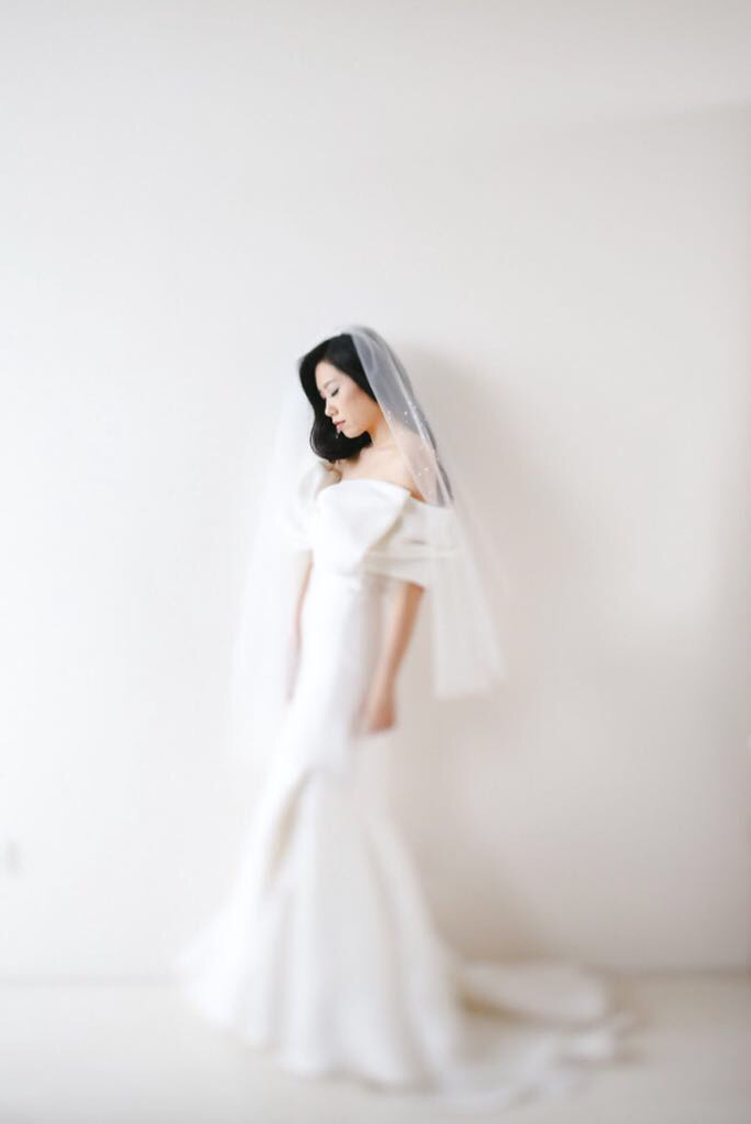 Veil & Pearls : Ileana & Eric Monochromatic by Elsie Chrysila Brides - 004