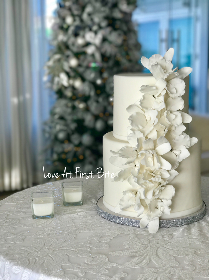 Wedding cakes by Love At First Bite - 004