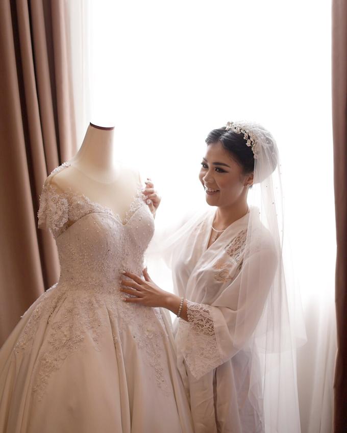 Wedding Gown by GÍSELA - 005