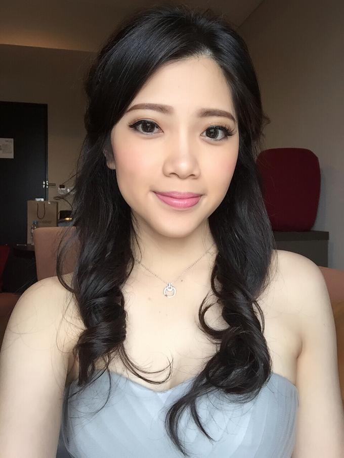 Hair & makeup by vinamakeupartist - 001