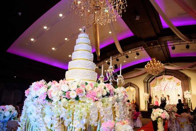 Amazing and breathtaking beach wedding by Merit Events - 004