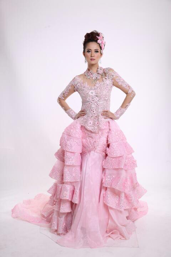 Wedding Gowns by Berkat Kebaya By Devina Shanti - 014