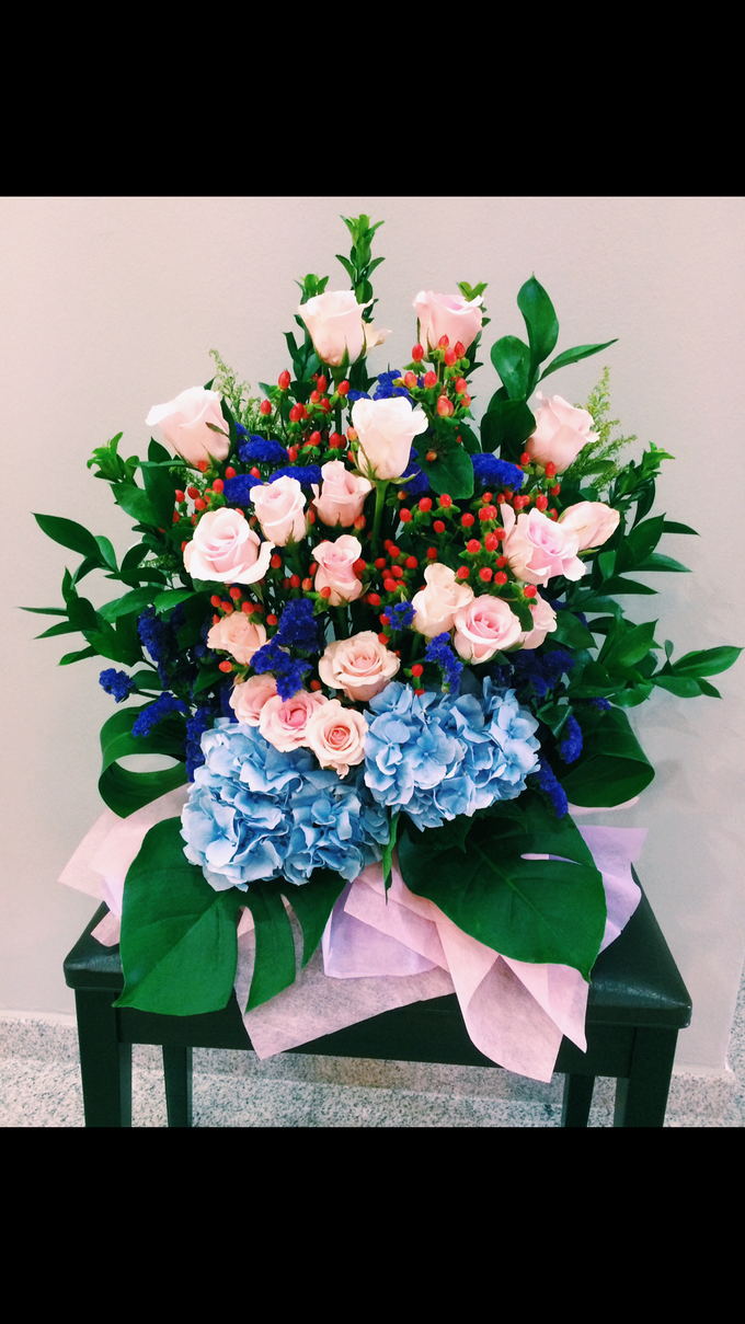 Bespoke Flower Bouquets by A. Floral Studio - 014