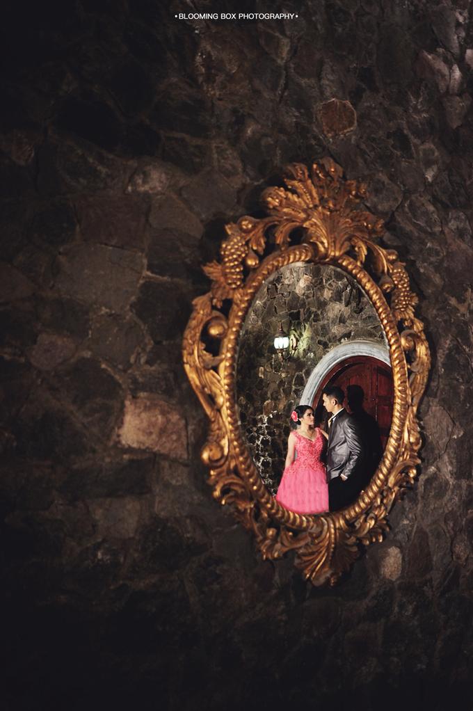 Guruh + Nurmelia by Blooming Box Photography - 011