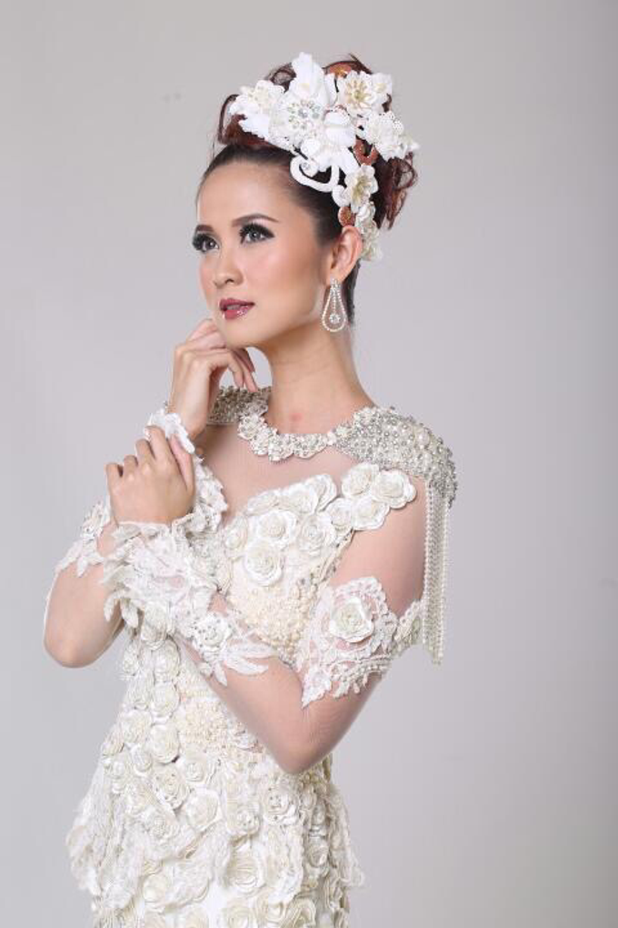 Wedding Gowns by Berkat Kebaya By Devina Shanti - 013