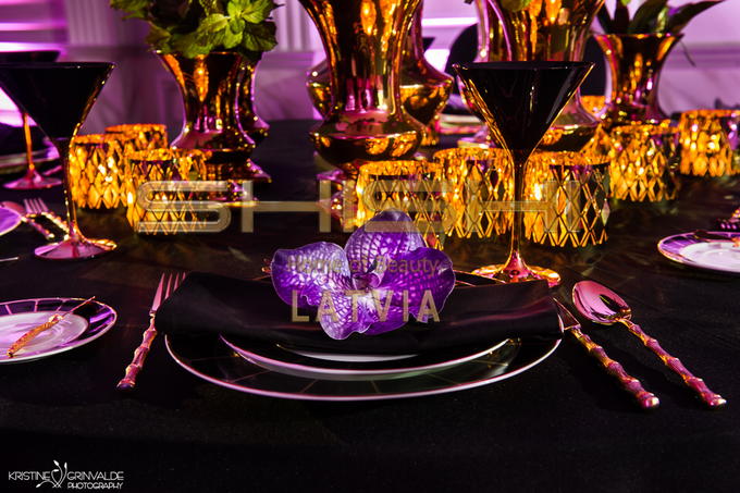 Table decorations by SHISHI Home of Beauty - 005