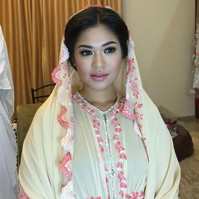 Wedding make up for Tara Rawindra (Javanese Paes& Padang) and Kathya Paramitha (National) by Yoga Septa Make Up Artist - 020