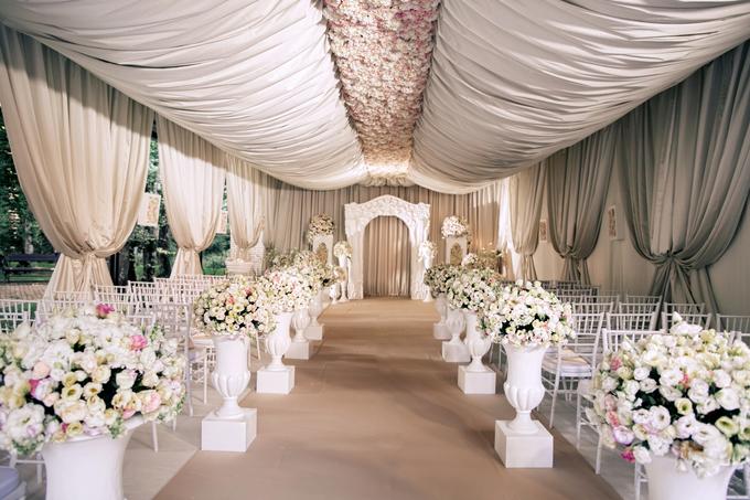 Neoclassic wedding by Wedding planner Oksana Bedrikova - 003