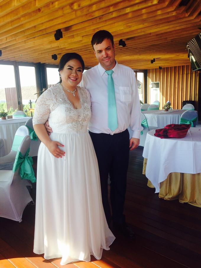 SIMPLE WEDDING DRESS TAIL BISA DI LEPAS by TS BRIDAL BALI - 004