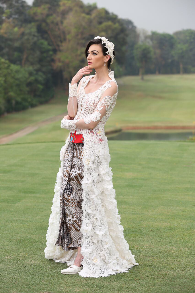 Wedding Gowns by Berkat Kebaya By Devina Shanti - 008