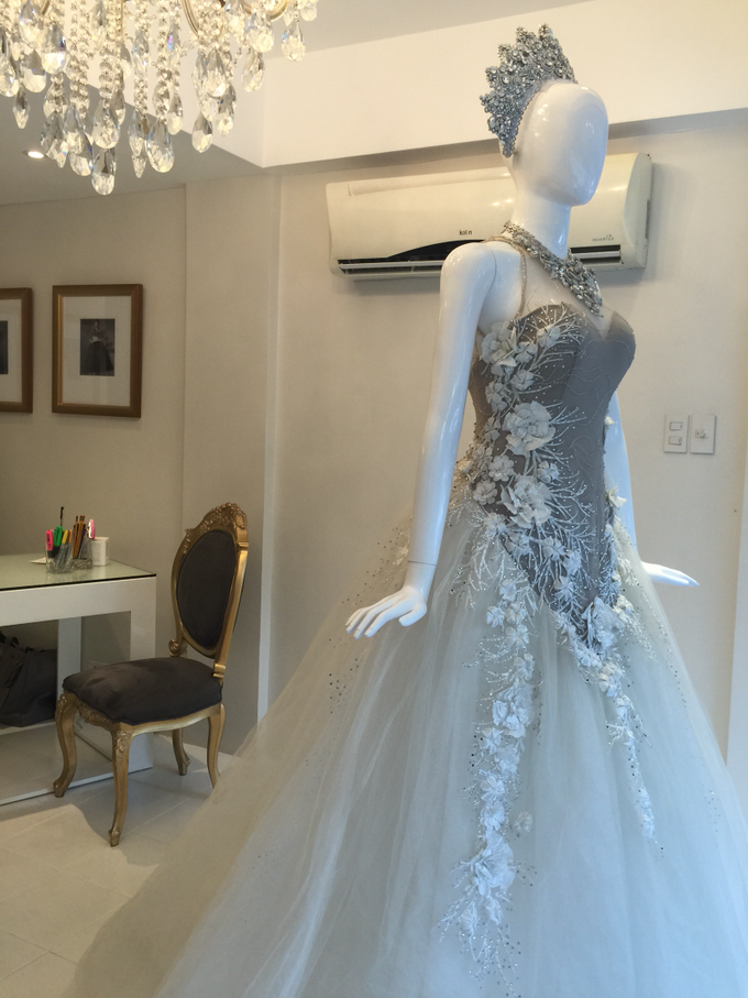 Bridal Gowns & Long Gowns by Joji Aguilar-Couture - 003