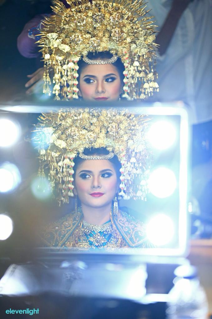 Wedding make up for Tara Rawindra (Javanese Paes& Padang) and Kathya Paramitha (National) by Yoga Septa Make Up Artist - 027