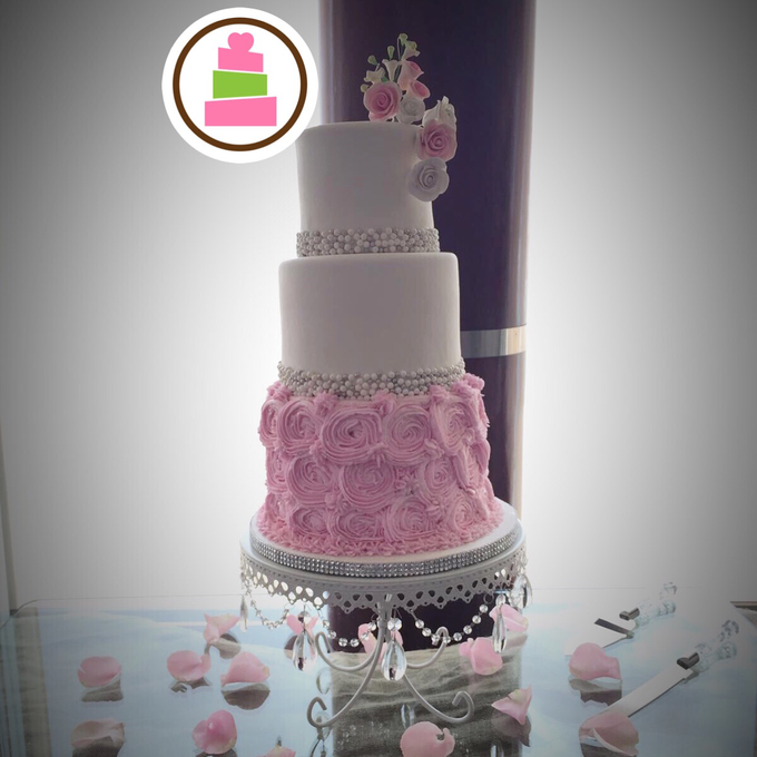 Wedding cakes by Love At First Bite - 009