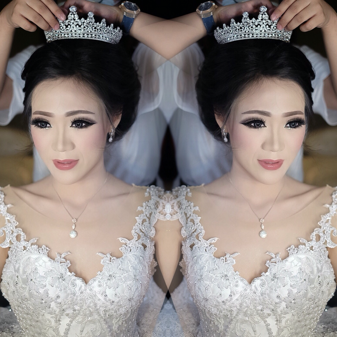 Wedding makeup for Ms Monica - Semarang by Imel Vilentcia Make Up Artist - 004