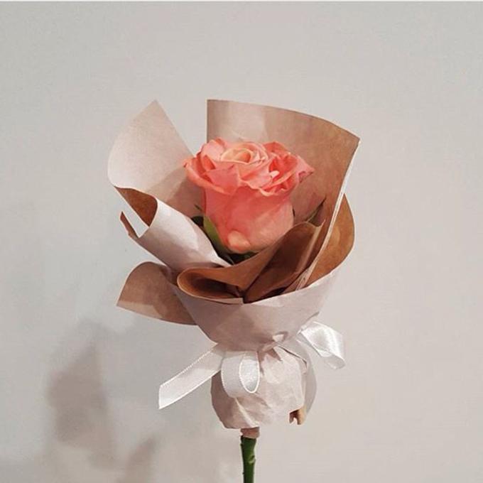 Single Flower by La Belle Vie flower - 012