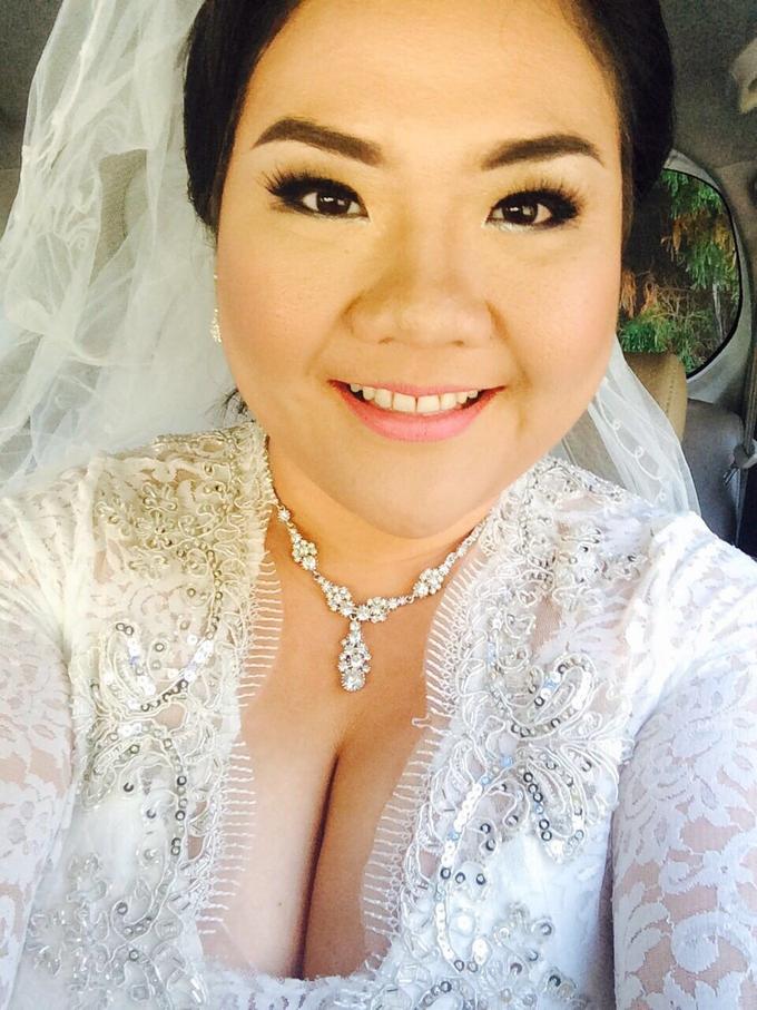 SIMPLE WEDDING DRESS TAIL BISA DI LEPAS by TS BRIDAL BALI - 003