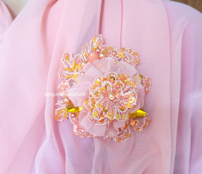 Brooch by Sequeen Couture - 001