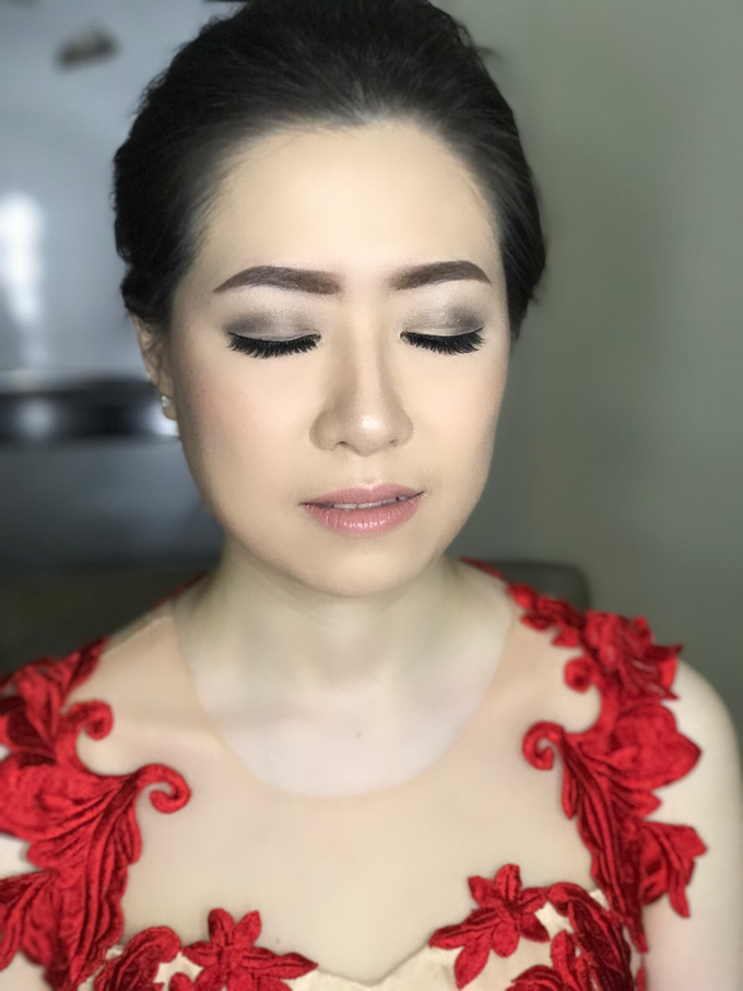 Party makeup by AyuAbriyantimakeupartist - 028