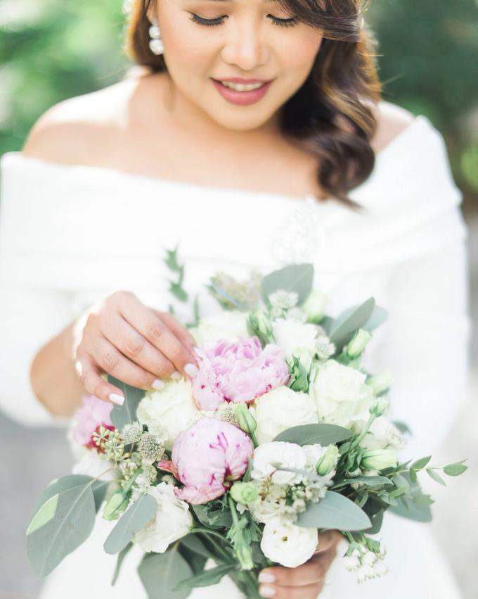 Bridal Makeup for Mhel  by GJ Esguerra Photography - 002