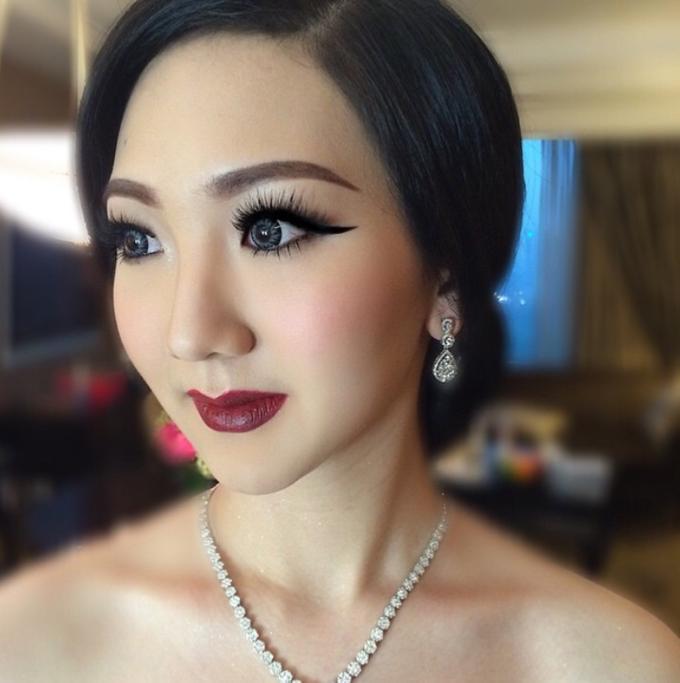 Makeup Studio Bride/Party, Makeup Class by Dewi Yen Makeup Artist - 004