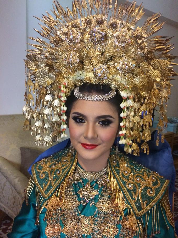 Wedding make up for Tara Rawindra (Javanese Paes& Padang) and Kathya Paramitha (National) by Yoga Septa Make Up Artist - 030