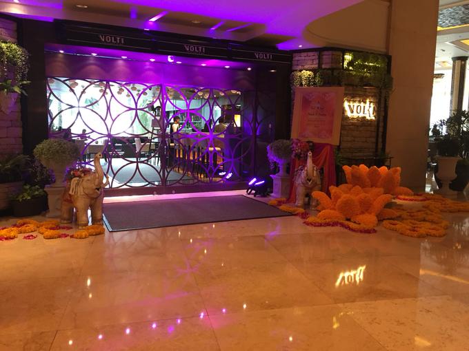 Indian Wedding by Shangri-La Hotel, Bangkok - 011