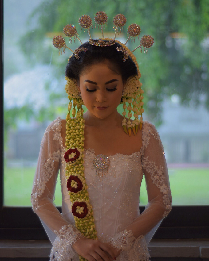 Rustic Theme Outdoor Wedding - Museum Indonesia TMII by AKSA Creative - 047