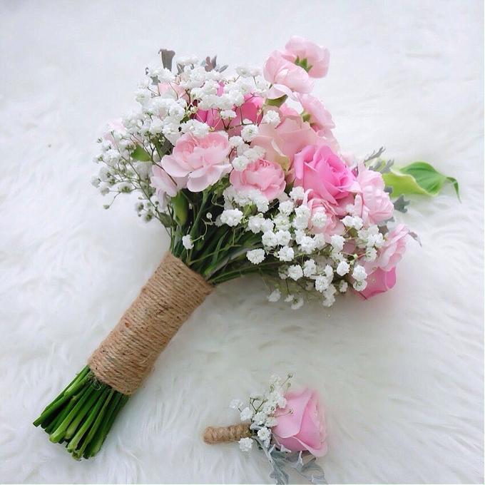 Bridal Bouquet Flowers by Benangsari Flower Studio - 004