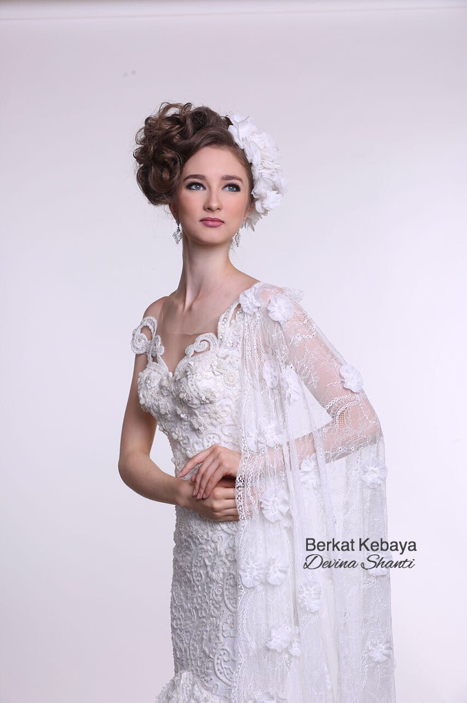 Wedding Gowns by Berkat Kebaya By Devina Shanti - 006