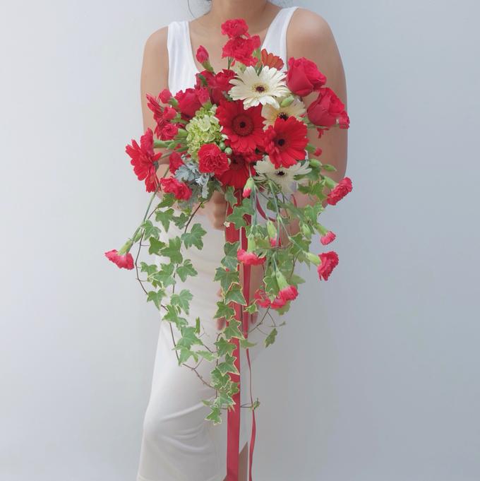 Bridal Bouquet Flowers by Benangsari Flower Studio - 005