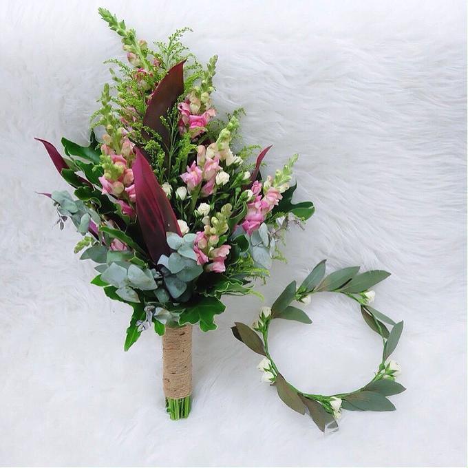 Bridal Bouquet Flowers by Benangsari Flower Studio - 003
