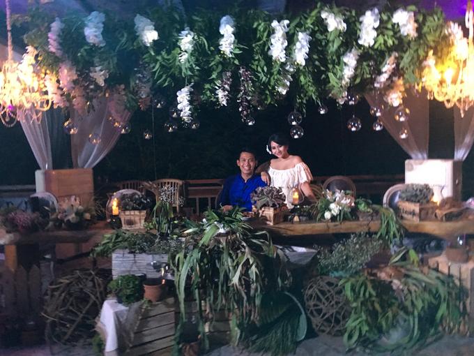 Riela & Indra Balinese Rustic Wedding at Beji Ubud  by Tirza Zoraya - 006