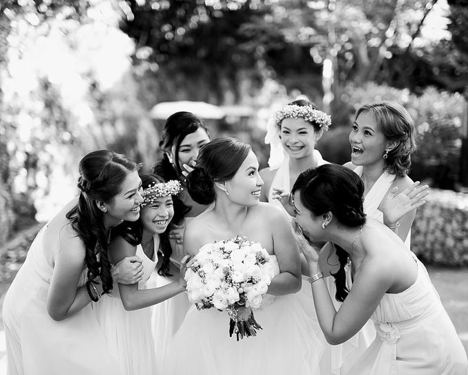 SIMPLE WEDDING DRESS TAIL BISA DI LEPAS by TS BRIDAL BALI - 019
