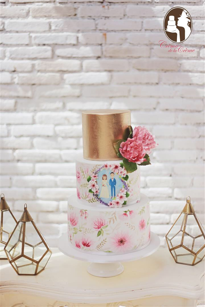 Handpainted watercolor floral wedding cake by Creme de la Creme Bali - 001