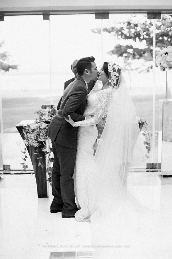 Bali Wedding : Acha & Andy Holy Matrimony by Elsie Chrysila Brides - 024